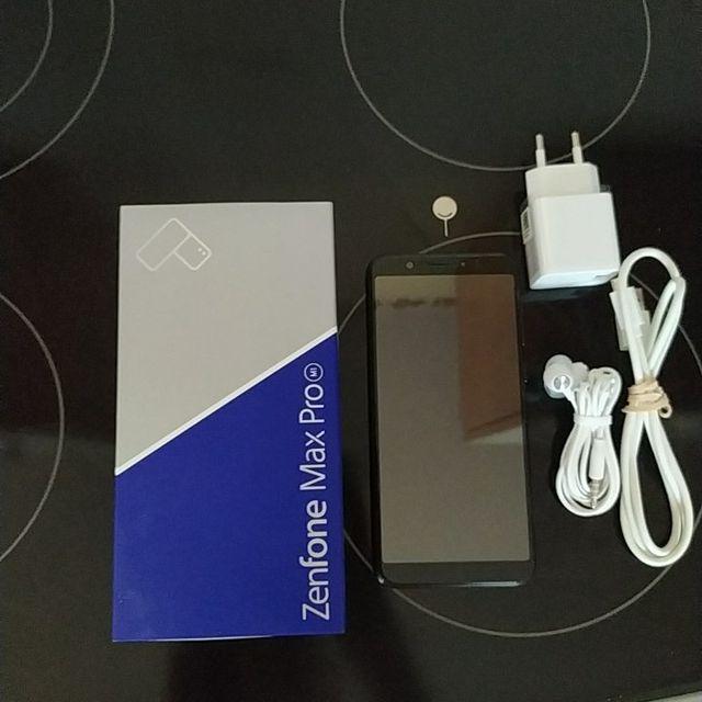 Asus zenfone max Pro m1 smartphone
