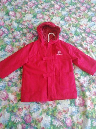 chaqueta parka roja niña talla 6 años.