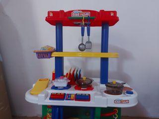 Cocinita de juguete + varios complementos