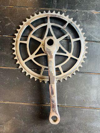Plato de bicicleta antigua