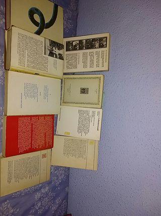 Libros diferentes temáticas.