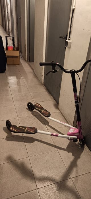 Patinete Scooter de 3 Ruedas Plegable Oscilacion