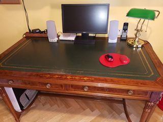 Mesa de despacho El C. Inglés