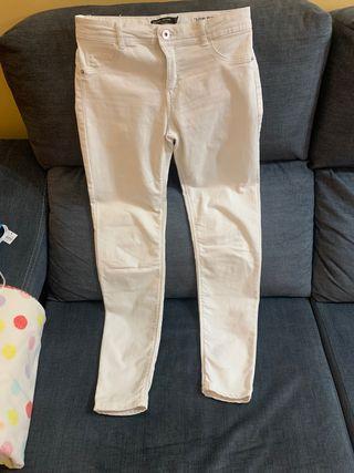 Pantalones tiro bajo Bershka
