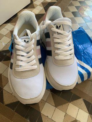 Zapatillas Adidas iniki sin estrenar