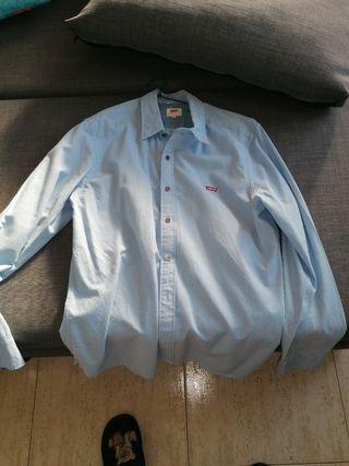 camisa Levi's auténtica costó 80€ de oferta