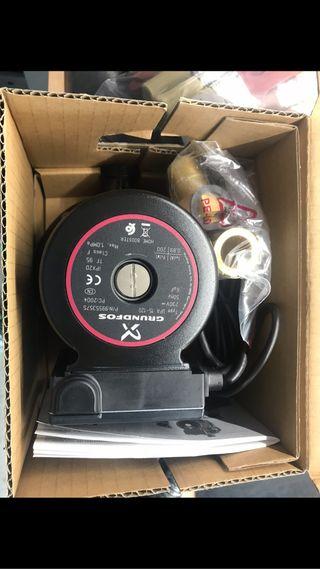 Bomba presión Grundfos UPA 12-120