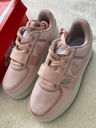 Nike andal 2k