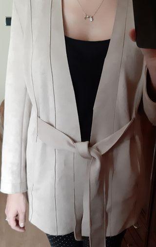 chaqueta ante zara