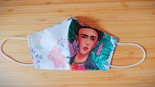 Mascarillas echas a mano reforzadas Frida Kahlo