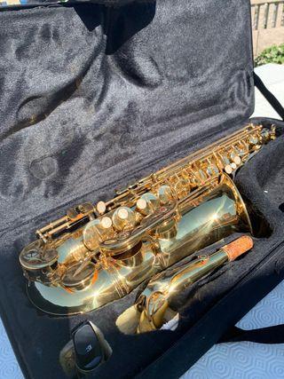 Saxofón alto J.Michael AL-500
