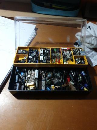 varios componentes electronicos