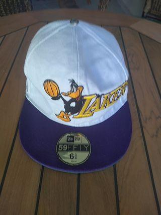 gorra plana de niño serigrafía pato Duck y Lakers