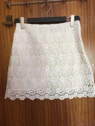 Falda encaje blanca de Zara Woman