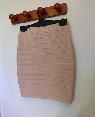 Falda de tubo rosa palo