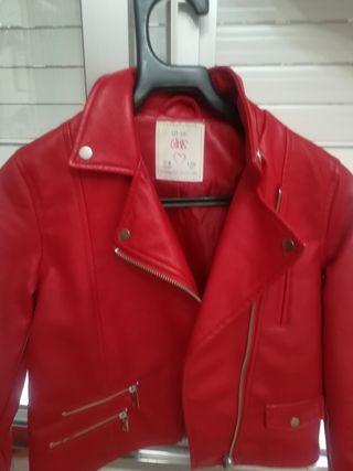 chaqueta polipiel roja talla 7,8