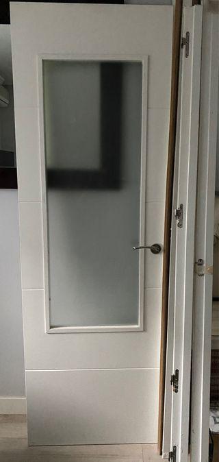 Puerta paso lacada blanco con vidrio
