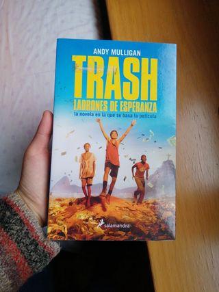 Libro 'Trash. Ladrones de esperanza'
