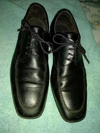 Zapato de la marca Dustin
