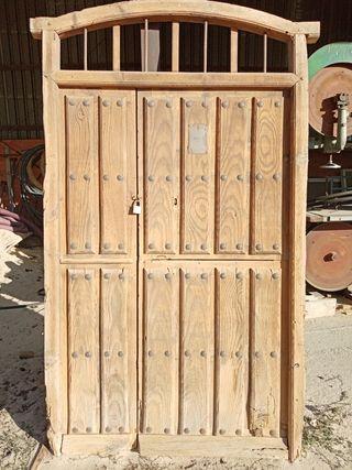puerta de madera antigua de 1963 de 1.33x 2.38