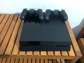 PLAYSTATION 4 + 2 MANDOS + FIFA 20