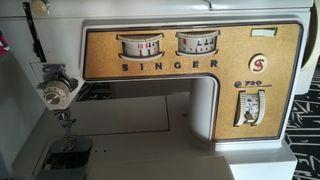 Máquina de coser Singer 720