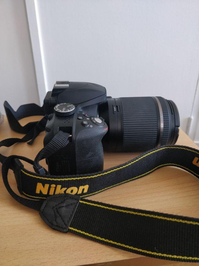 Nikon D3300 et son objectif tamron