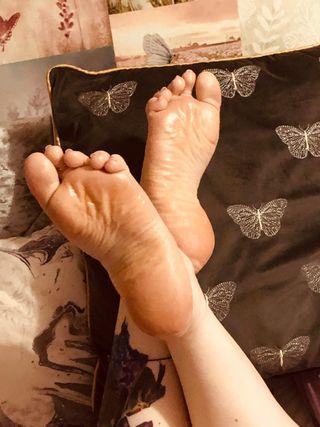 Like foot pics ?!?