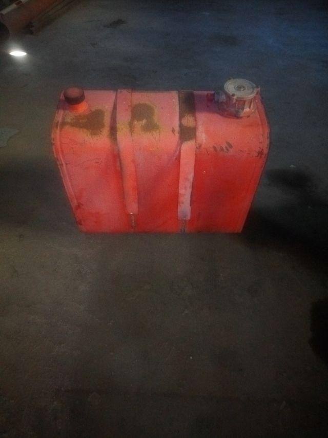depósito hidráulico grua