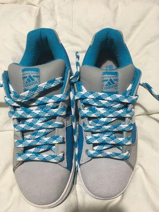 Zapatillas Adidas nuevas talla 39