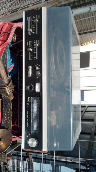 antiguo toca discos radio y cinta