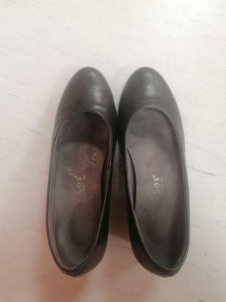 zapatos de salón pitillos