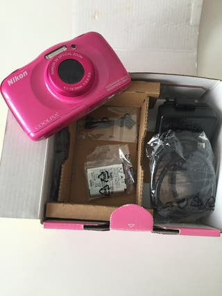 Cámara de fotos digital acuática Nikon Coolpix