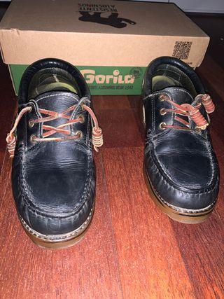Zapato colegial gorila azul marino talla 37