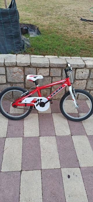 Bicicleta 18 pulgadas marca QUER de aluminio.