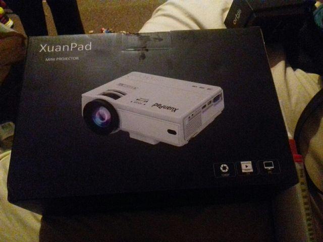 XuanPad mini projector