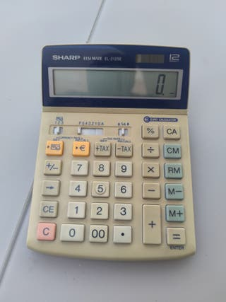 Calculadora SHARP a pilas y solar