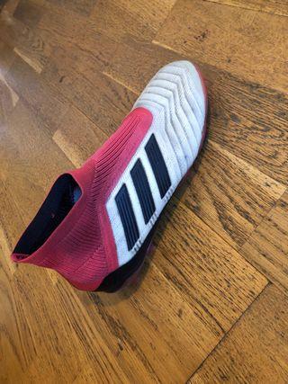 Botas de futbol adidas predator sin cordones