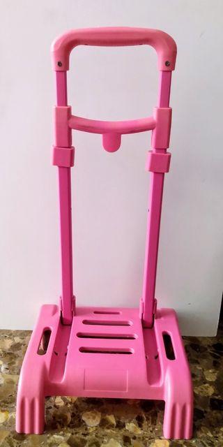 Carrito porta mochila color rosa