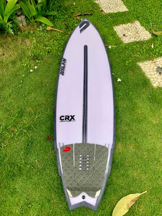 Tabla de surf 5'11 Dylan epoxy