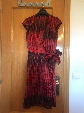 Vestido rojo estilo vintage. Talla M. Bershka