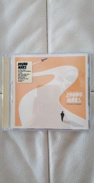 Bruno Mars doo-woops y hooligans