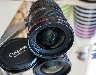 Objetivo Canon Zom EF 17-40