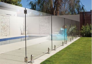 Vallas instalaciones de cristal piscinas
