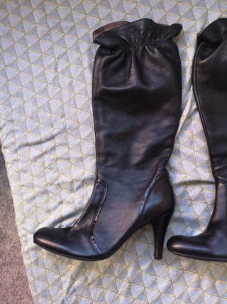 Botas largas negras