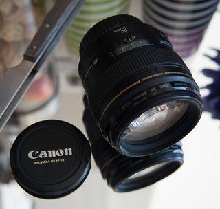 Objetivo Canon EF 85mm 1:8