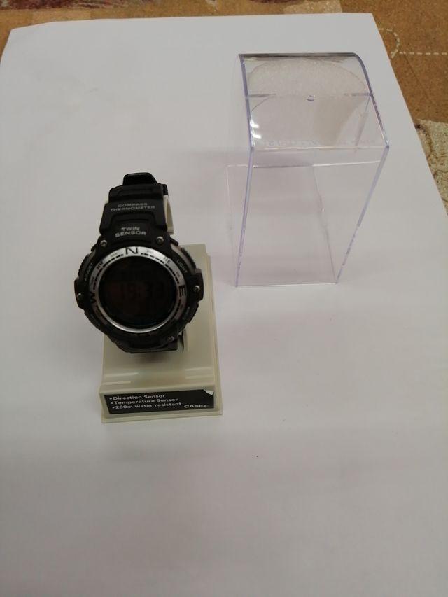 Casio SGW100 Reloj digital con doble sensor para h