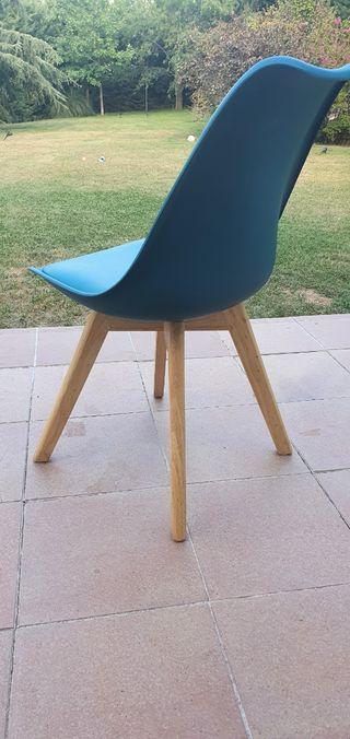 2 sillas de diseño sueco