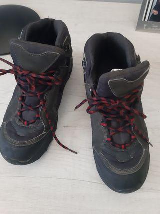 zapatillas o botas de montaña