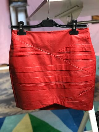 Falda cuero roja